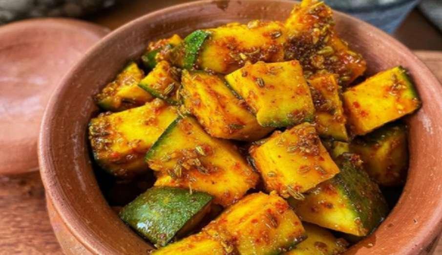 Aam Ka Achar Recipe: घर पर बनाएं टेस्टी आम का अचार, ये रही बनाने की विधि रेसिपी- India TV Hindi