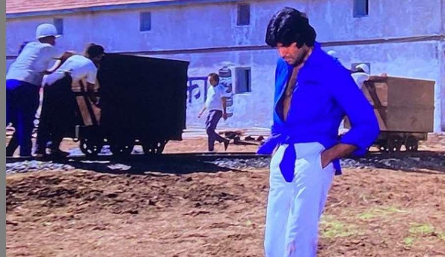 अमिताभ बच्चन से मजबूरी में जो लगाई थी शर्ट में गांठ, वहीं बन गया फैशन, एक्टर से जानें पूरा किस्सा- India TV Hindi
