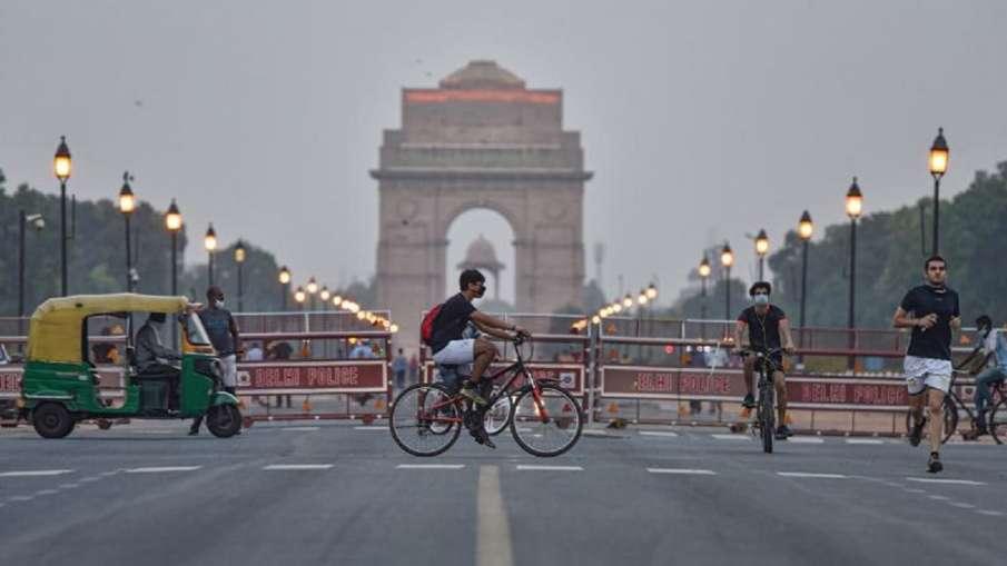 दिल्ली में कोविड-19 नियमों का पालन सुनिश्चित करने के लिए पुलिस, प्रशासन ने टीमें तैनात की- India TV Hindi