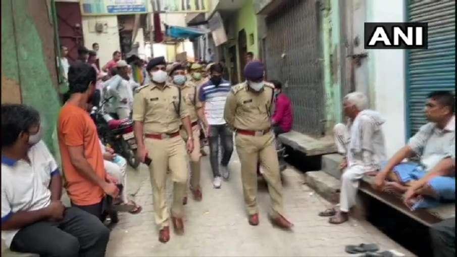 Four members of a family shot in loni area of ghaziabad गाजियाबाद में ट्रिपल मर्डर से सनसनी, लोनी इल- India TV Hindi