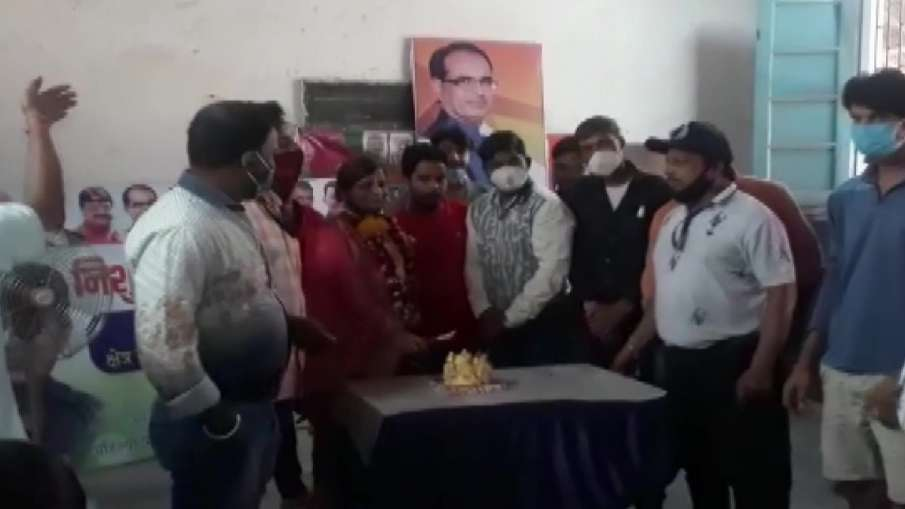 भाजपा की महिला नेता...- India TV Hindi
