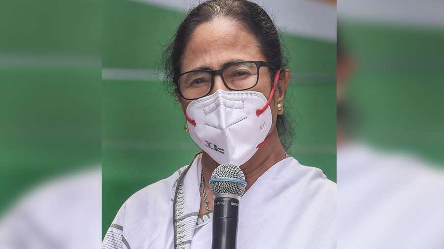 ममता बनर्जी बोलीं- कश्मीर में निरंकुश शासन से दुनिया में बदनामी हुई- India TV Hindi