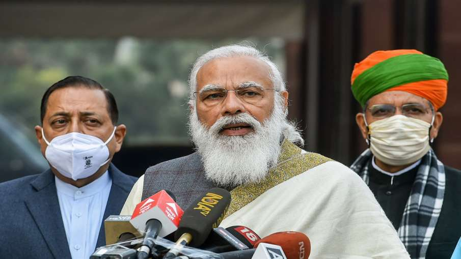 P Chidambaram attacks narendra modi government मोदी सरकार जो उपदेश दुनिया को देती है, उस पर पहले खुद- India TV Hindi