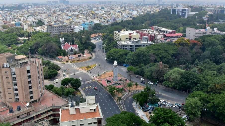 कर्नाटक के 16 जिलों में सोमवार से पाबंदियों में मिलेगी और ढील, ये हैं नई गाइडलाइन्स- India TV Hindi