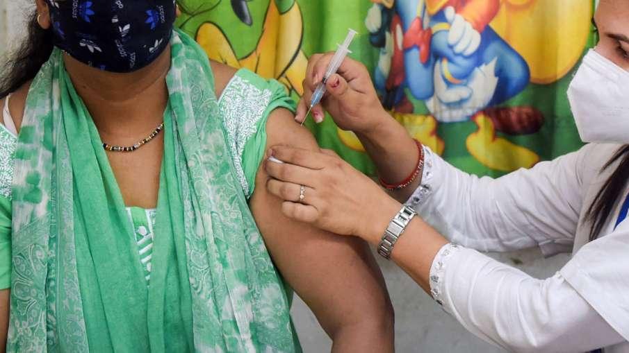 Exclusive: एक महिला को 5 मिनट में 3 बार मिली कोरोना वैक्सीन की डोज!- India TV Hindi