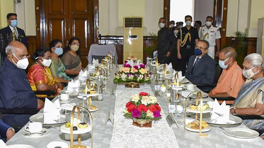दो दिवसीय दौरे पर लखनऊ पहुंचे राष्ट्रपति, राजभवन में रात्रिभोज का आयोजन- India TV Hindi