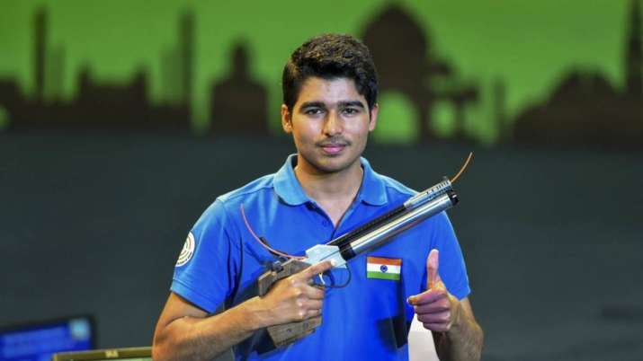 Saurabh Chaudhary clinches bronze after slow start for India at ISSF World Cup- India TV Hindi