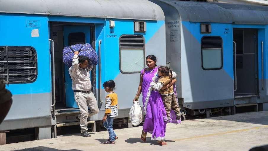 indian railways irctc delhi anand vihar hatia santragachi kanpur prayagraj train timetable stoppages- India TV Hindi