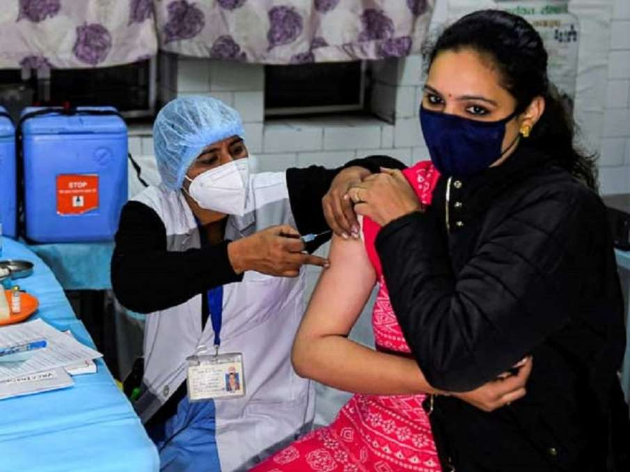 Coronavirus update: Over 24.93 crore vaccine doses administered so far, govt says- India TV Hindi