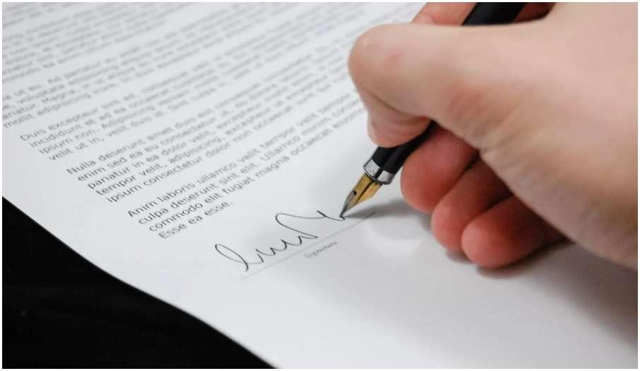 vastu tips in hindi how to do signature for money according to vastu shastra- India TV Hindi