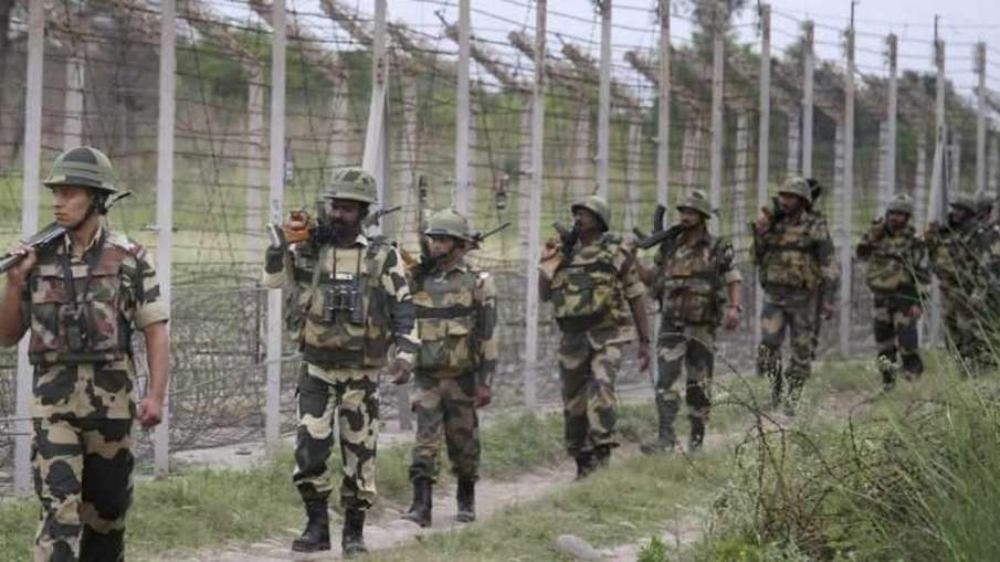 Jammu And Kashmir, Jammu And Kashmir Intruder Arrested, Intruder Arrested Along LoC- India TV Hindi