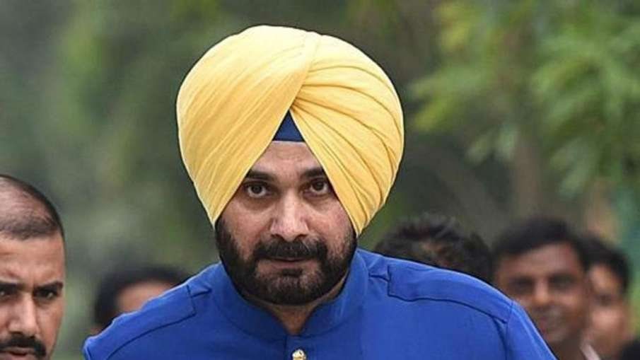 'कैप्टन' के मंत्री ने कहा-'सिद्धू से तब तक नहीं मिलूंगा, जब तक वह सीएम के साथ मुद्दे हल नहीं करते'- India TV Hindi