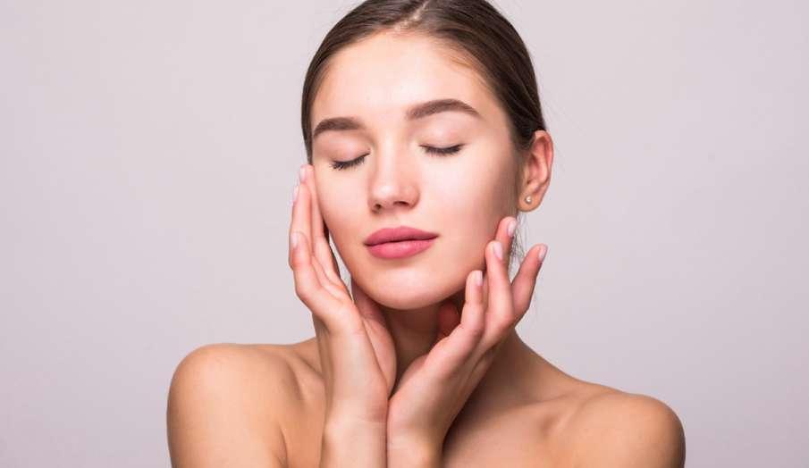 Skincare Routine : घर पर रोजाना फॉलो करें ये सिंपल टिप्स, पाएं हेल्दी और ग्लोइंग स्किन- India TV Hindi