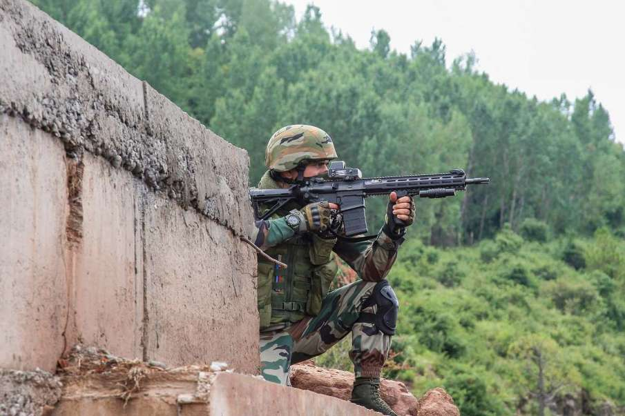 LeT module busted in J&K; 1 local terrorist, 4 associates arrested- India TV Hindi