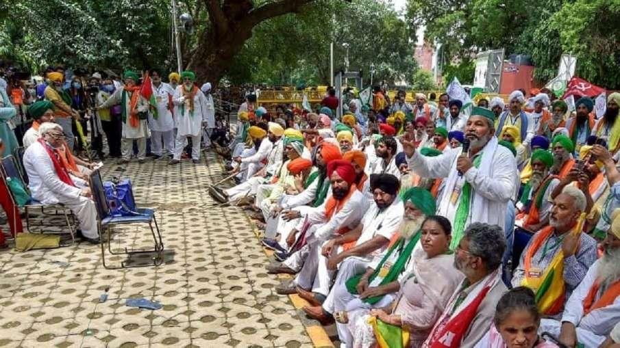 'किसान संसद' में तीन कृषि कानूनों में से एक पर चर्चा, निरस्त करने की मांग का प्रस्ताव पारित - India TV Hindi