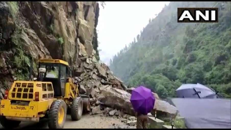 उत्तरकाशी में लैंडस्लाइड के चलते गंगोत्री हाईवे को बंद किया गया- India TV Hindi