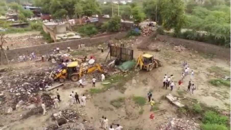 दिल्ली: रोहिंग्याओं के कब्जे से योगी सरकार ने मदनपुर खादर में मुक्त कराई 2.10 हेक्टेयर जमीन- India TV Hindi