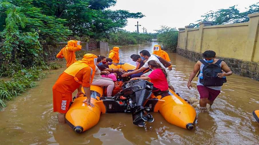 ठाणे, पालघर में भारी बारिश; कई गांव में भारी नुकसान, एनडीआरएफ तैनात - India TV Hindi