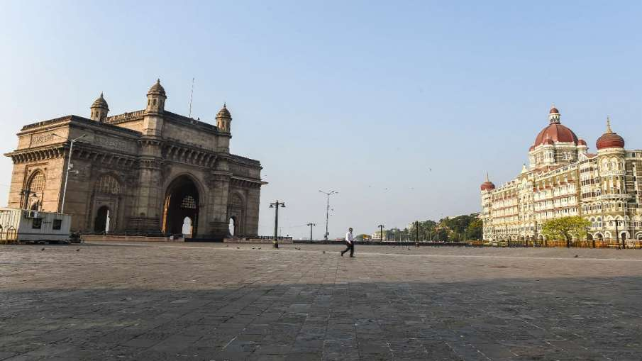 मुंबई सहित 25 जिलों में पाबंदियों में ढील दी जा सकती है, महाराष्ट्र सरकार ने दिए संकेत  - India TV Hindi