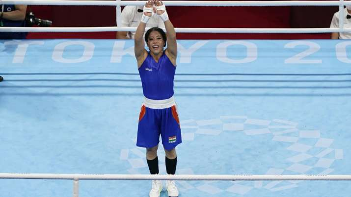 Mary Kom has tears in her eyes after defeat, coach raises questions on scoring system Tokyo Olympics- India TV Hindi