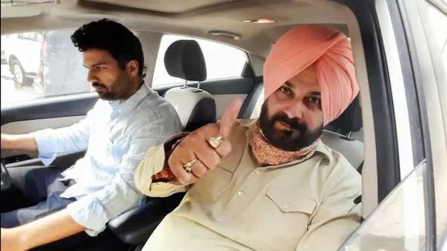 Captain Amarinder Singh likely to be present when Navjot Singh Sidhu assumes office tomorrow: Source- India TV Hindi
