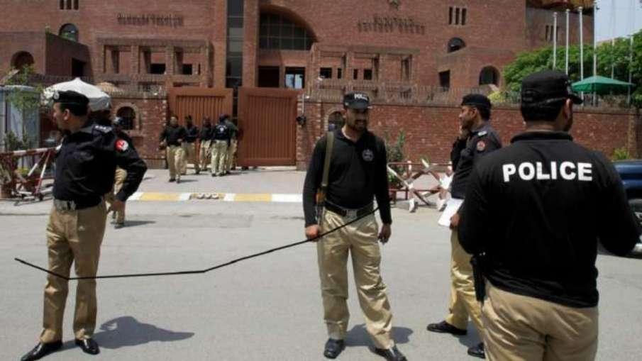 पाकिस्तान: दर्दनाक बस हादसे में 30 लोगों की मौत, कई घायल- India TV Hindi