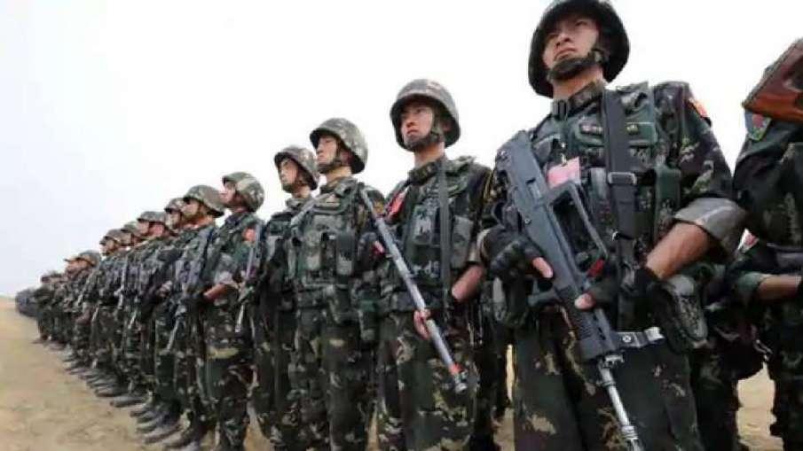 तिब्बती युवाओं को PLA में शामिल कर रहा चीन, परिवार से एक सदस्य का सेना में होना अनिवार्य- India TV Hindi