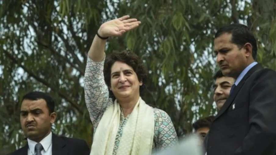 Uttar Pradesh Assembly Elections 2022: Priyanka Gandhi arrives in Lucknow- India TV Hindi