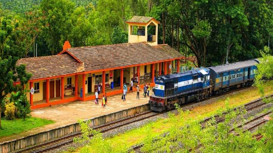 Indian railways train timings gareeb rath delhi ananvihar patna gaya barauni irctc see train list रे- India TV Hindi