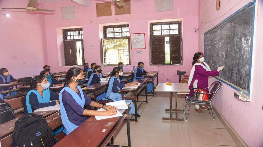 Schools to be opened from 26 july for 10th 12th class students in Odhisha 10वीं, 12वीं कक्षा के लिए - India TV Hindi
