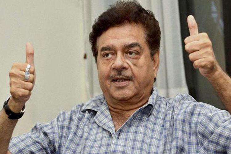 तृणमूल कांग्रेस में...- India TV Hindi