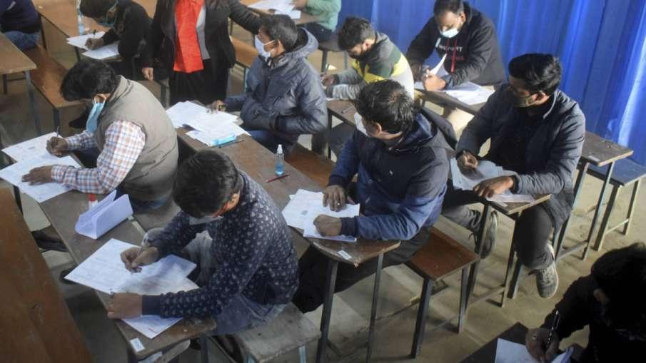 SBI Clerk Main Exam 2021 postponed prelims result to be announced soon SBI Clerk Exam 2021: क्लर्क म- India TV Hindi