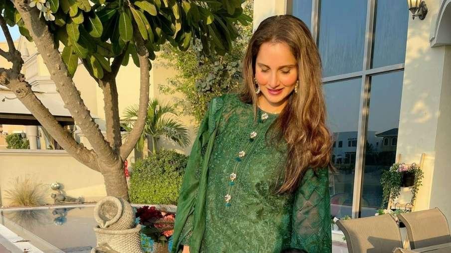 "Sania Mirza Shares Latest Pic, Says ""Selfie Toh Banti...- India TV Hindi"