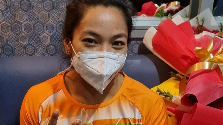 Tokyo Olympics 2020: mirabai dedicates her olympic medal...- India TV Hindi