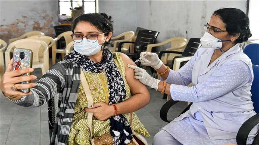 देश में कोरोना टीके की 35 करोड़ से अधिक खुराकें दी जा चुकी है: स्वास्थ्य मंत्रालय - India TV Hindi