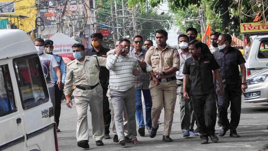 Vikas Dubey Case BSP to fight Amar Dubey's wife Khushi Dubey legal battle for bail ब्राह्मणों को रिझ- India TV Hindi