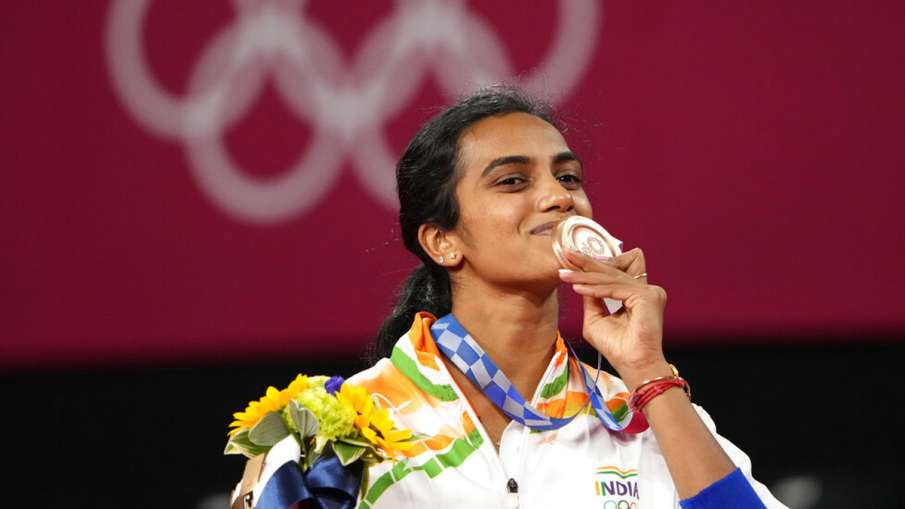 PV Sindhu says 'I am in seventh heaven' after winning bronze medal- India TV Hindi