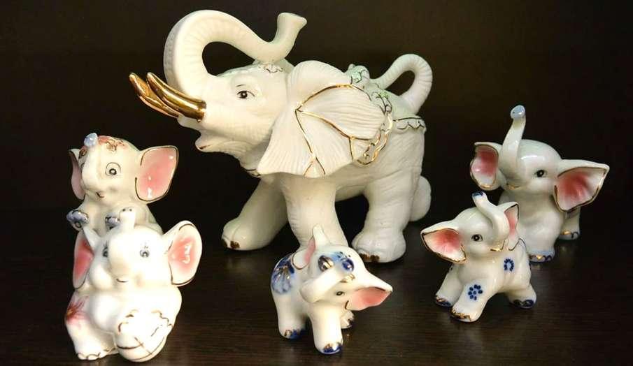 vastu tips today in hindi pair of elephant for financial Crisis bedroom me hathi ka joda - India TV Hindi