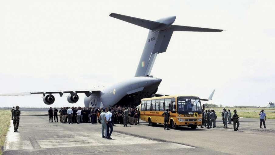 Afghanistan Crisis: भारत ने काबुल से कैसे निकाले अपने लोग? जानिए- 'मिशन एयरलिफ्ट' की डिटेल- India TV Hindi