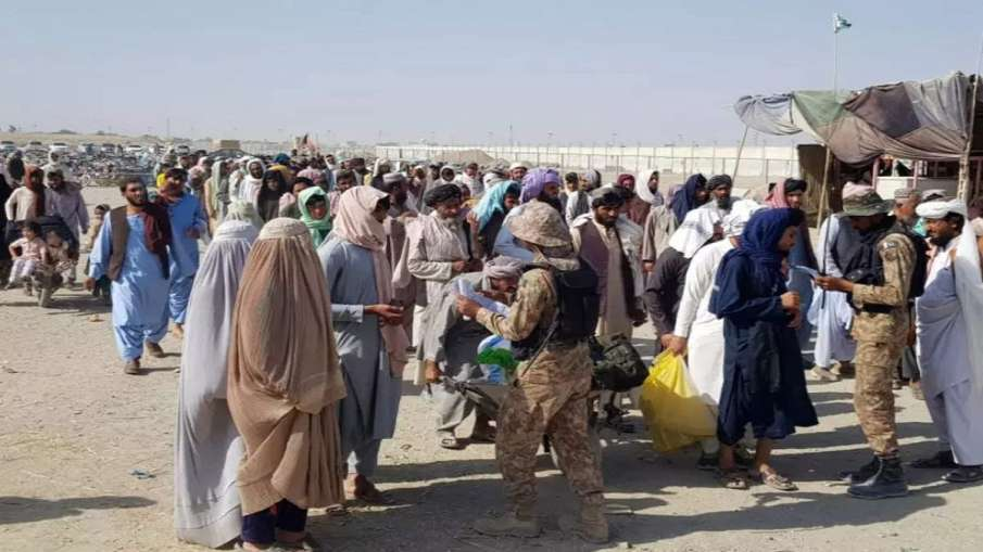 Pakistani human smugglers' business boom as thousands of Afghans attempt to leave after Taliban take- India TV Hindi