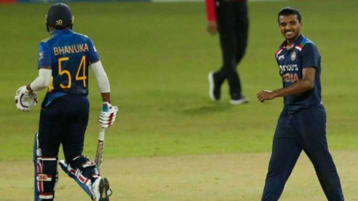 'Entire life was spinning in front of my eyes', said Sakariya on debut for India- India TV Hindi