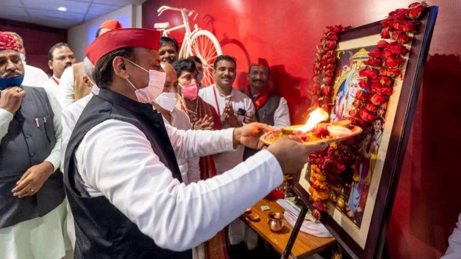 Akhilesh Yadav, Akhilesh Yadav Vishwakarma Puja Holiday, Vishwakarma Puja Holiday- India TV Hindi