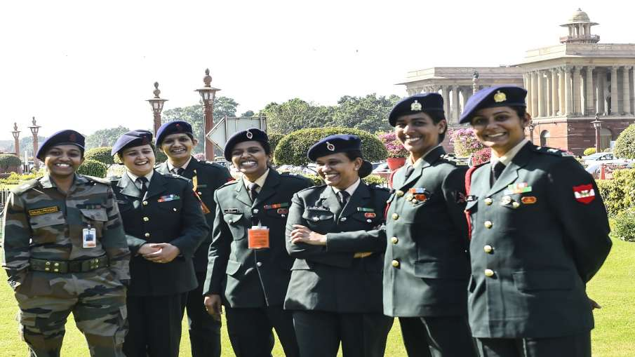 National Defence Academy NDA Centre tells Supreme Court induction of girls NDA में महिलाओं को स्थाई - India TV Hindi