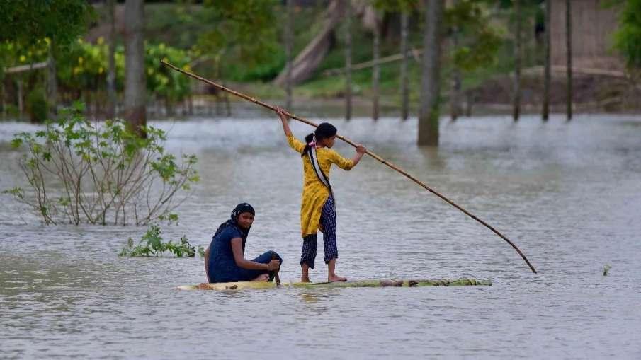Assam flood situation improves marginally; 4.93 lakh affected- India TV Hindi