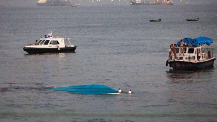 2 Boats With 100 Passengers Collide In Brahmaputra In Assam, Many Missing- India TV Hindi