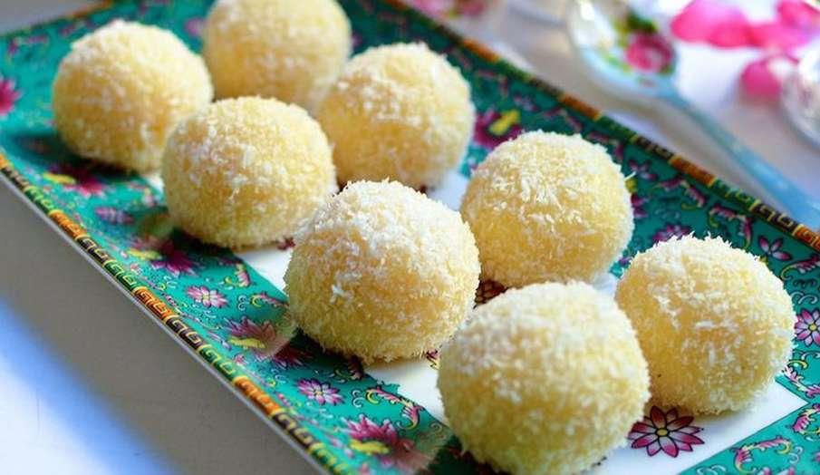 Recipe: थायराइड को कंट्रोल करने में मदद करेगा नारियल के लड्डू, घर पर यूं बनाएं- India TV Hindi
