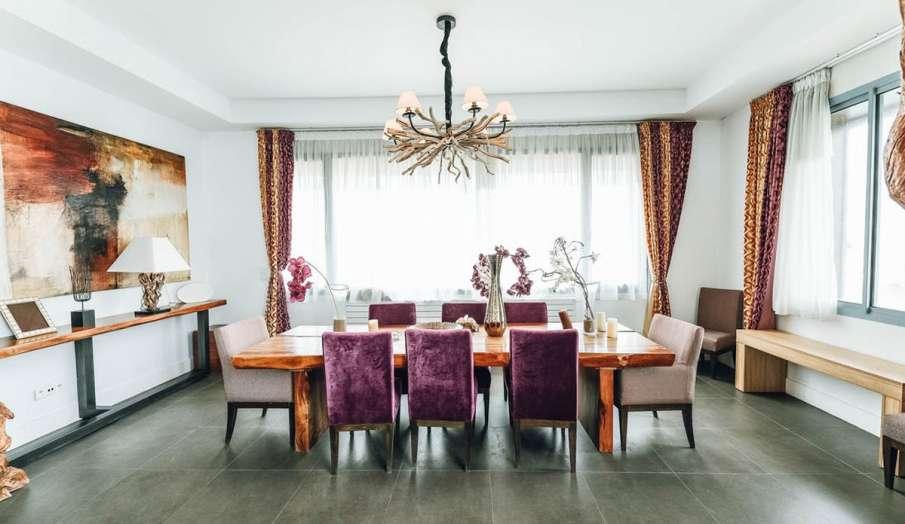 Vastu Tips: डाइनिंग रूम में कभी न कराएं ये रंग, जानिए कौन सा रंग माना जाता है बेस्ट- India TV Hindi
