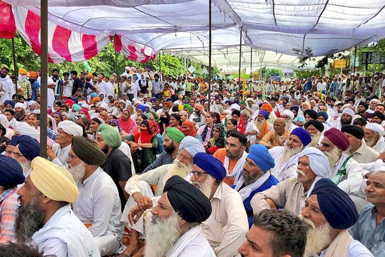 किसानों, अधिकारियों...- India TV Hindi