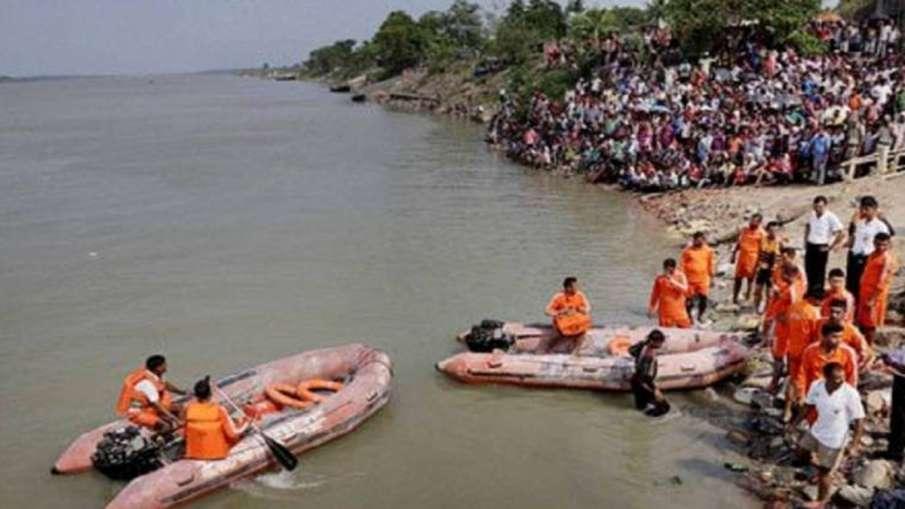 Families Left Homeless, Families Left Homeless Malda, Malda Ganga Erosion- India TV Hindi