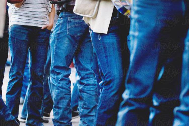 जीन्स और टीशर्ट...- India TV Hindi